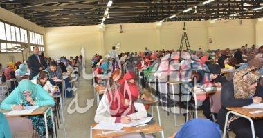 590 ألف طالب بالدبلومات يؤدون الامتحانات..وتسليم أرقام الجلوس فى مايو